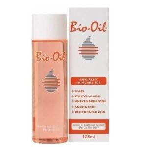 Γυναίκα Bio-Oil PurCellin Λάδι Επανόρθωσης Ουλών και Ραγάδων 125ml