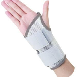 Άνδρας Alfacare – Ελαστικός Νάρθηκας Καρπού AC1013 για το Αριστερό Χέρι
